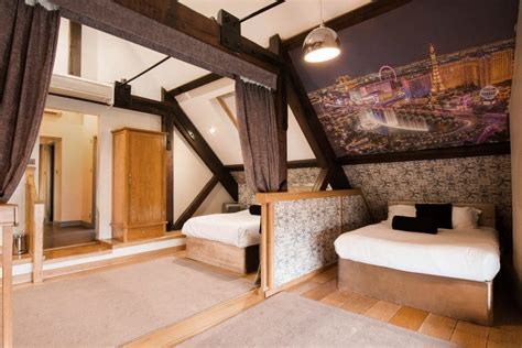 Whirlpool Shower Bath the perfect group party stay in liverpool casino
