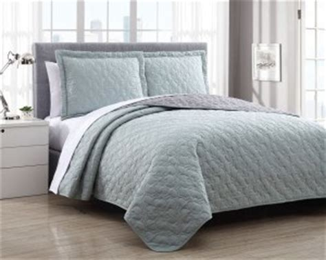 different types of comforters understanding the different bedspread types styles