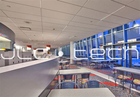 Us Cellular Corporate Office by Tbar Led Smartlight