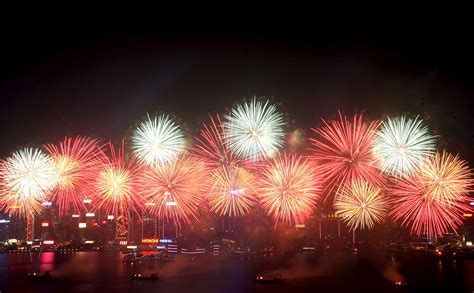 new year hong kong fireworks staying in hong kong for new year don t miss out