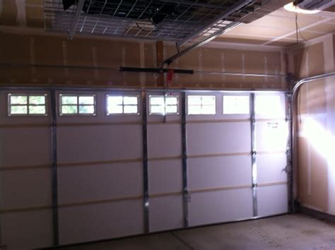 15 215 7 Clopay Insulated With Colonial 509 Windows Garage Clopay Garage Door Windows