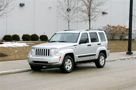 jeep liberty 2012 2012 jeep liberty our review cars com