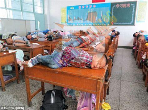 Selimut Di Taiwan Inilah Budaya Tidur Siang Para Siswa Sekolah Dasar Di Cina