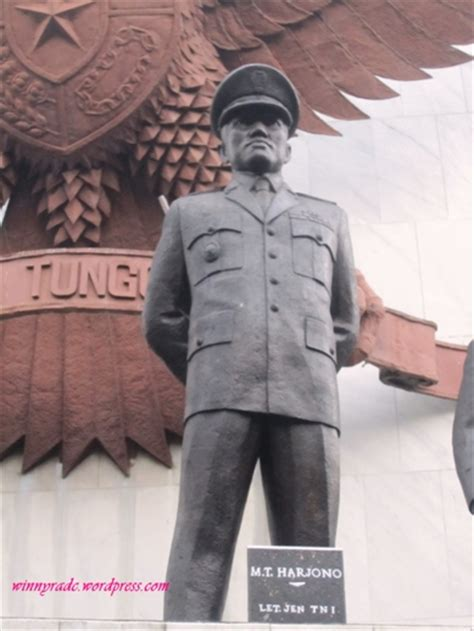wisata sejarah jakarta monumen pancasila sakti lubang