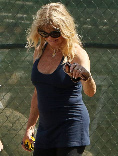 goldie hawn house goldie hawn leaves her house in brentwood 09 01 2016 hawtcelebs hawtcelebs