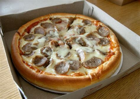 new england house of pizza new england greek style pizza taste food restaurants recipes