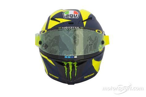 Helm Retro Biru Coklatkacamata Sport foto pamer helm baru valentino terinspirasi formula 1