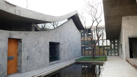 Lu Studio gallery of an with lu wenyu