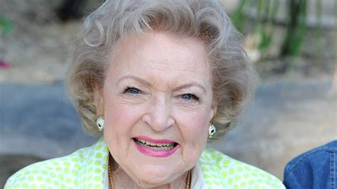 with betty white starts caign to protect betty white from 2016 cnn