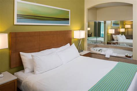 rooms to go clermont fl inn express clermont florida guest room renovation ff e florida hotel renovations