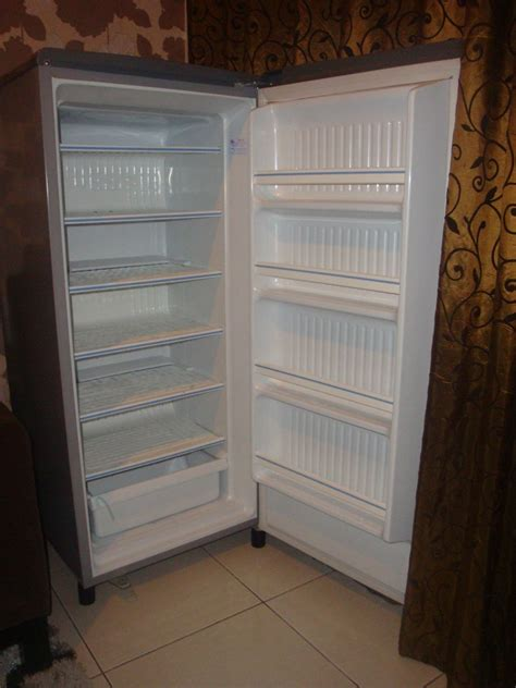 Freezer Sharp 6 Rak Second jual freezer asi freezer asip toshiba grk189 6 rak second choice
