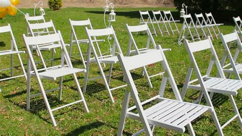 Wedding Ceremony Chair Setup by Wedding Aisle Decor White Wedding Chairs Outdoors