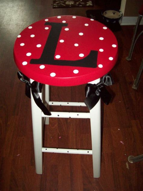 Ribbon Shaped Stools by Teach Repeat Tuesday