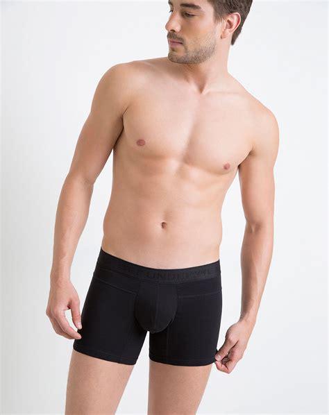 fotos en blanco y negro hombres hombres huevudos en boxer fotos hombres en ropa interior