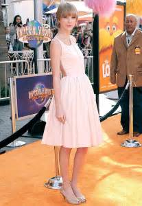 taylor swift or katy perry richer taylor swift 2011 salary 35 7 million richer than lady