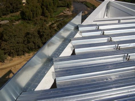 Bond Dek   Global Roofing Solutions