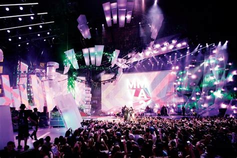Shows New Do At The Awards by 9 Innovative Stage Designs For Concerts Award Shows
