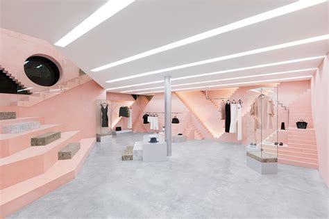 D Ziner Black Intherior Fhasion geometric shapes steps details inside novelty san pedro store by anagrama