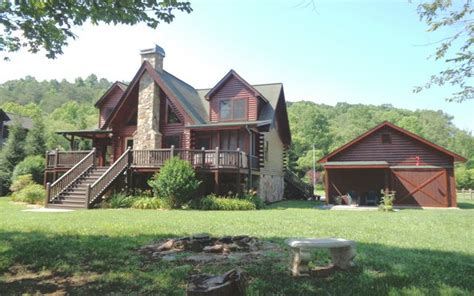 hiawassee cabins homes for sale call 828 837