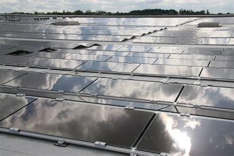 Solar Panels Milton Keynes - panneaux solaires sur l enceinte de l az alkmaar