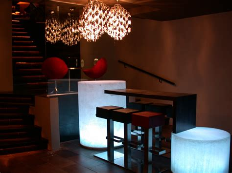 Showroom Salle De Bain 420 by Restaurant Maddox Club Londres 224 Londres Carrelage Et