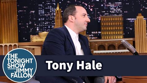 tony hale wife tony hale is pretty sure his wife doesn t like him youtube
