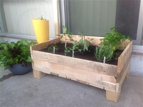 Planter Boxes Ideas by 15 Diy Pallet Planter Box Ideas Pallet Idea