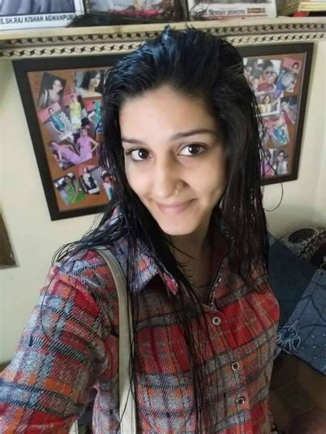 sapna choudhary download sapna choudhary hot pictures in jeans top hd images