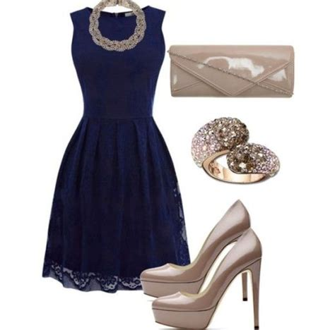 Goes For Black Accessories The Awards by синее платье 101 фото платьев синего цвета