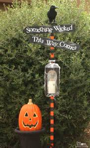 Diy Halloween Decorations For Yard Diy Halloween Spooky Lantern Sign Post
