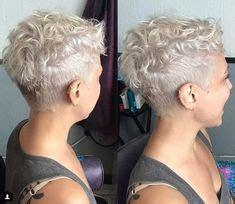 lockige haare kurz schneiden lassen sehr weiblich und