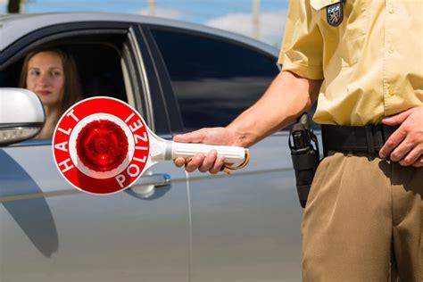 Motorrad Fahren Ohne Fahrerlaubnis Strafe by Fahren Ohne F 252 Hrerschein Stra 223 Enverkehrsgesetz Stvg 167 21