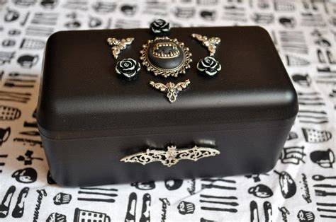 vampire coffin box      jewelry box