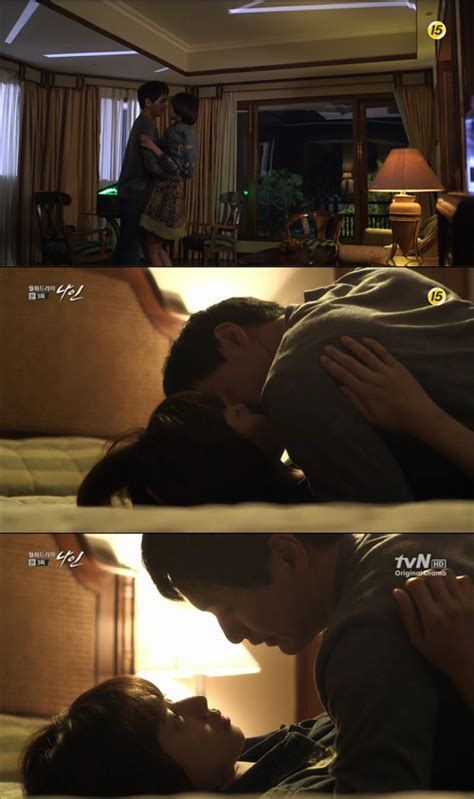 kissing on bed spoiler lee jin wook and jo yoon hee kiss on the bed hancinema the korean movie