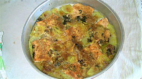 pesce su letto di patate salmone al forno su letto di patate tutte le ricette
