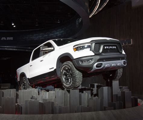 2019 dodge ram front end the fully redesigned 2019 dodge ram 1500 cargurus