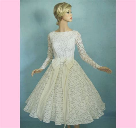 08b111351 50 000 Dress Sale 50 circle skirt 50s lace vintage wedding prom dress by