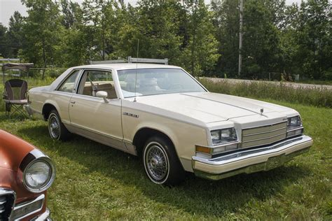 79 buick lesabre file 1979 buick lesabre coupe front jpg wikimedia commons