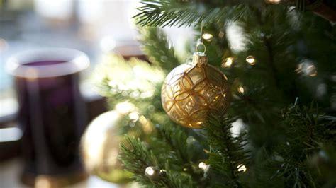 albero di natale in casa albero di natale il protagonista delle feste dalani e