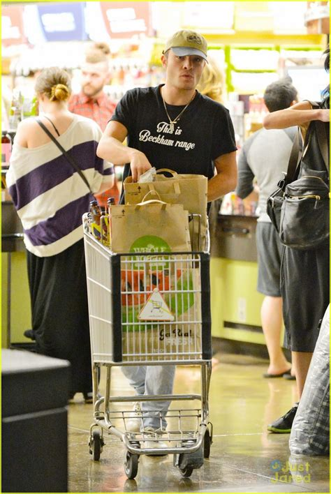 Ed Westwick Kitchen Sink Ed Westwick Joins Kitchen Sink Photo 591581 Photo Gallery Just Jared Jr