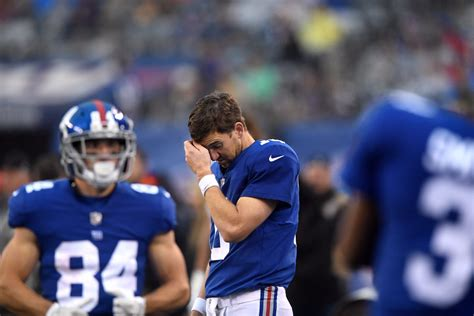 bench eli manning bench eli manning 28 images giants bench eli manning changing qbs for first time
