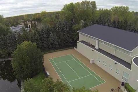 michael jordan house address tennis anyone michael jordan s house lonny