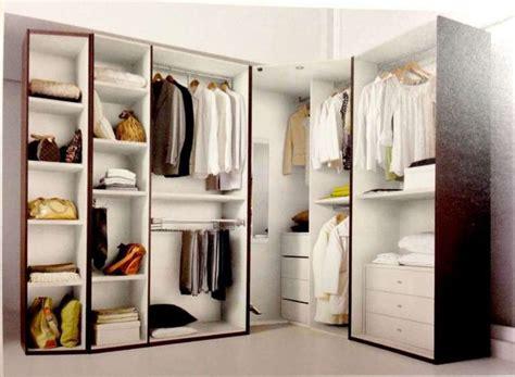 idee cabine armadio oltre 25 fantastiche idee su armadio angolare su