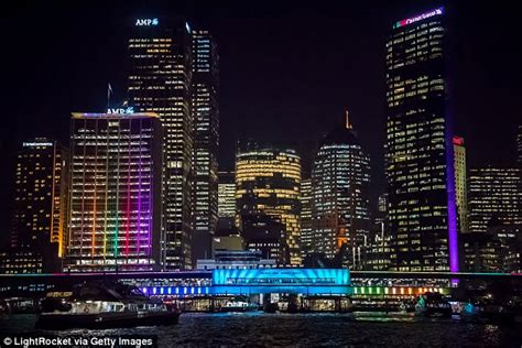 best light displays sydney 2016 offers up great places to see sydney s light