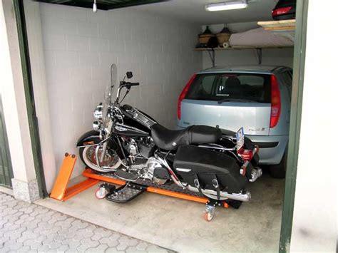 pedana parcheggio moto pedana bike shuttle posteggio facile dueruote