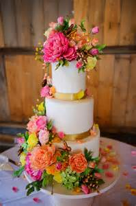 wedding cake flowers floral wedding cake best friends for frosting