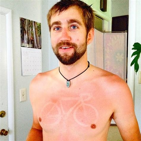 sunburn tattoo are getting sunburned on purpose for sunburn tattoos