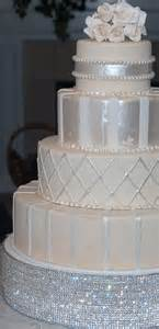 dream wedding and event planners glamorous cake stands for your wedding cake