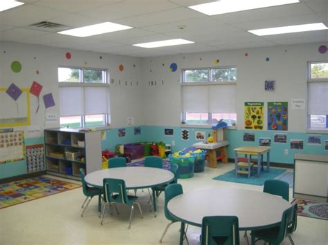 classroom layout sle 17 best images about indoor playground daycare ideas on