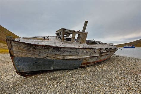 old wooden boat old wooden boats google search old boats pinterest